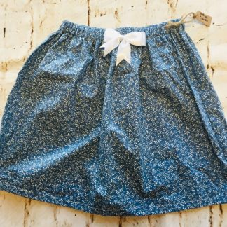 Elasticated Skirt (5-6 years) in Blue cotton with white flowers and an 8cm white bow