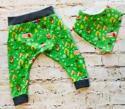 Harems & Bibs (6-12 months) in Green jersey fabric with camping bears design with dark grey ribbing with matching cuffs