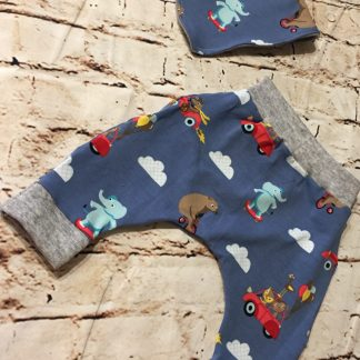 Harems & bib (0-6 months) in Blue jersey fabric with animal design. light gray ribbed cuffs
